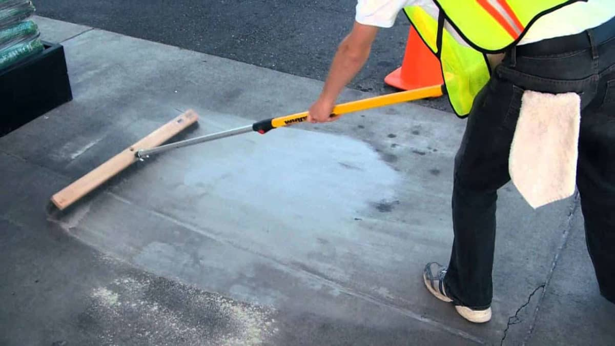 8 Best Concrete Cleaner [Editor Review]